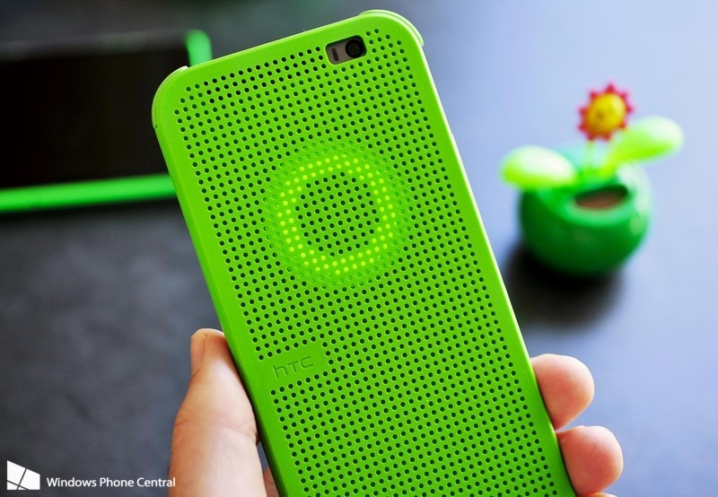 Dot View case on the HTC One for Windows