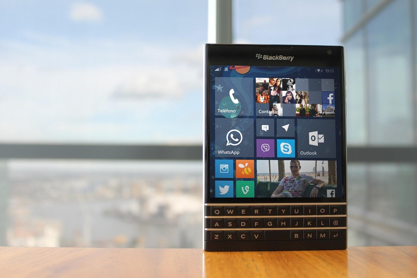 Blackberry Passport Windows 10 Mobile